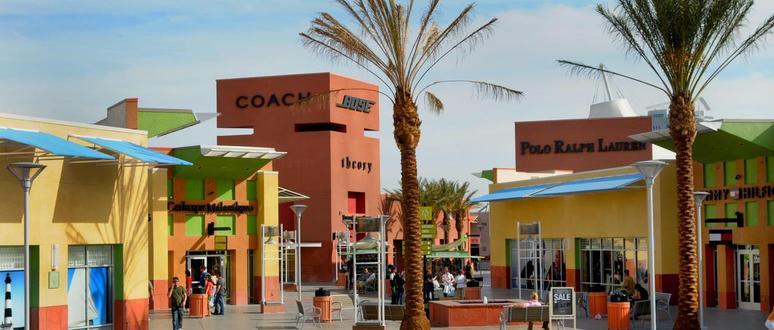 Las Vegas Premium Outlets North, el mejor outlet en Las Vegas Para nosotros este es el mejor outlet en Las Vegas. Pertenece a la misma compañía que el Jersey Gardens de Nueva Jersey u otros de los más conocidos del país.